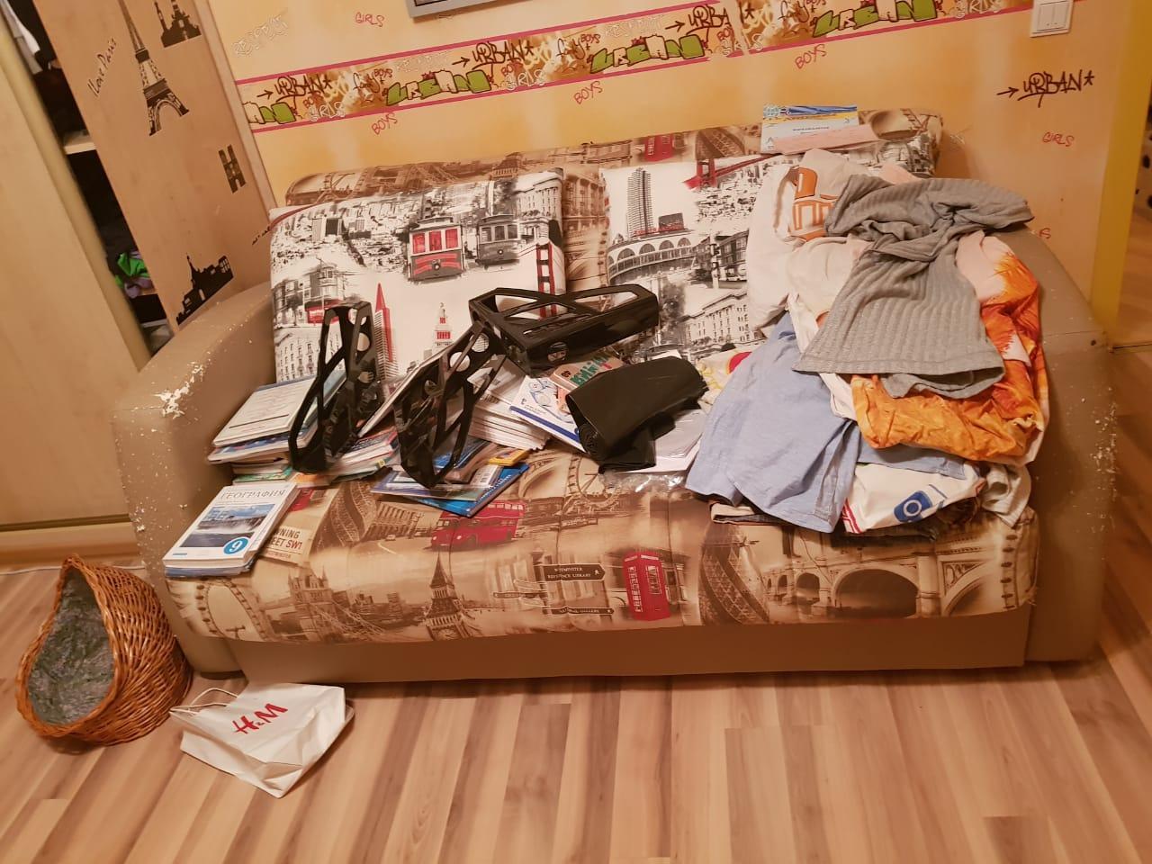 Вывоз старого дивана при покупке нового